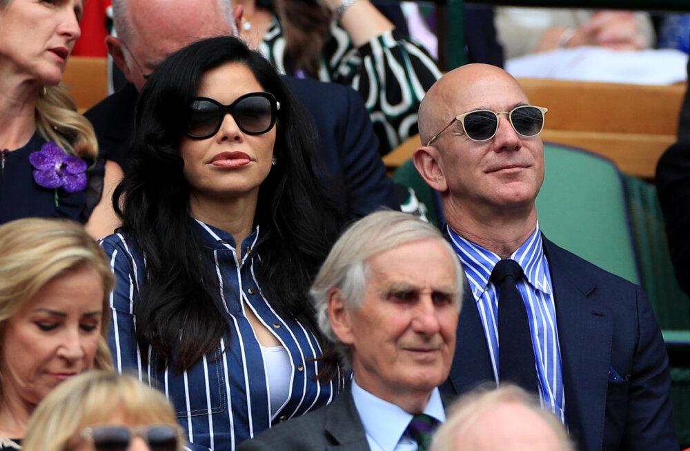 Milleks oodata? Jeff Bezos õrnutses uue kallimaga Wimbledonis toimunud tennisemängul