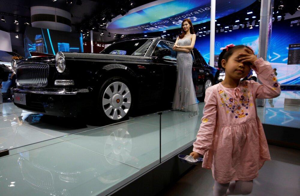 """Hiina """"rahvalimusiin"""" Hongqi L5 jõuab vabamüüki, Venemaal on järjekord ukse taga"""