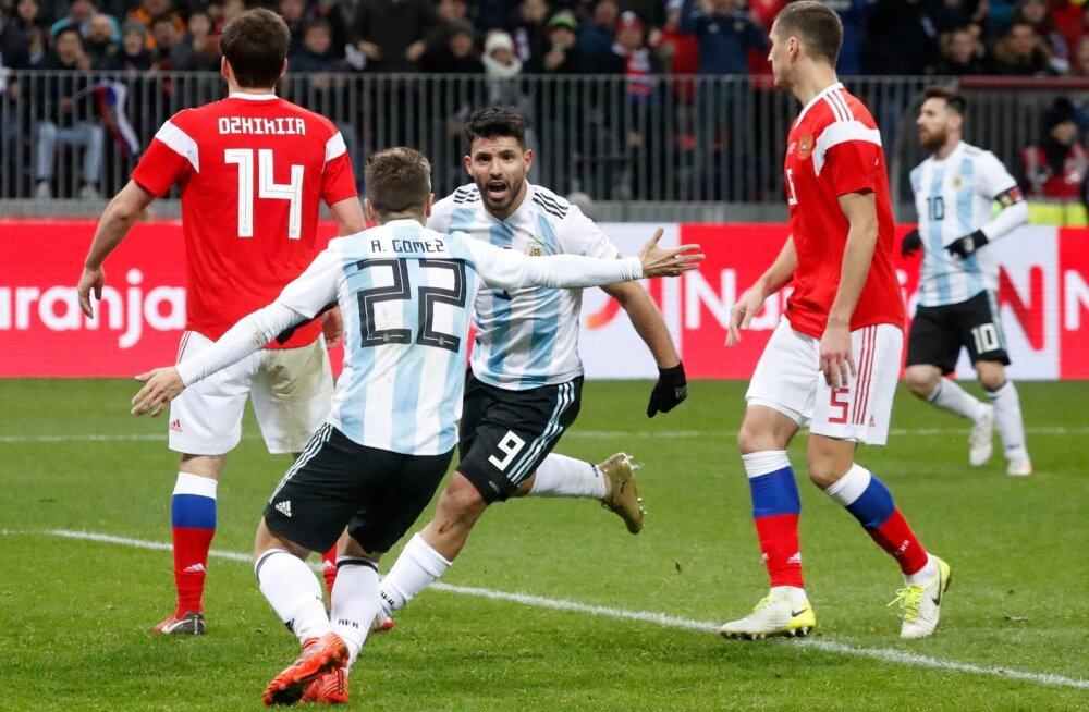Argentina alistas Sergio Agüero väravast Venemaa.