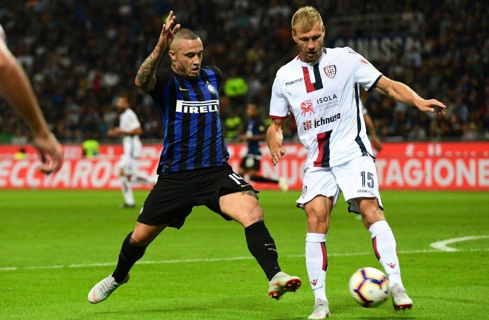 Cagliariga liitudes sai Ragnar Klavanist (paremal) esimene eestlane Itaalia kõrgliigas.