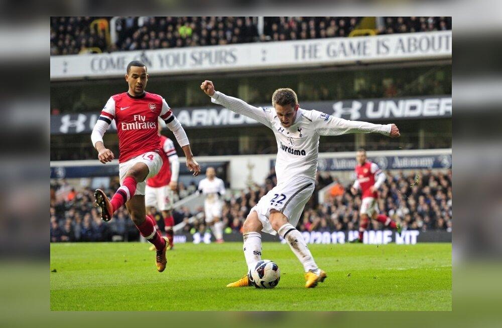 Gylfi Sigurdsson Tottenham ja Theo Walcott Arsenal