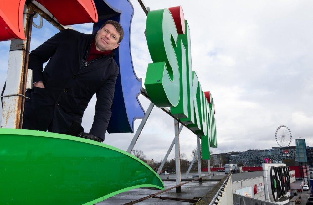 Hindrek Leppsalu selja taga paistab T1 Mall of Tallinn, mis on kolmest keskusest praegu suurimates raskustes.