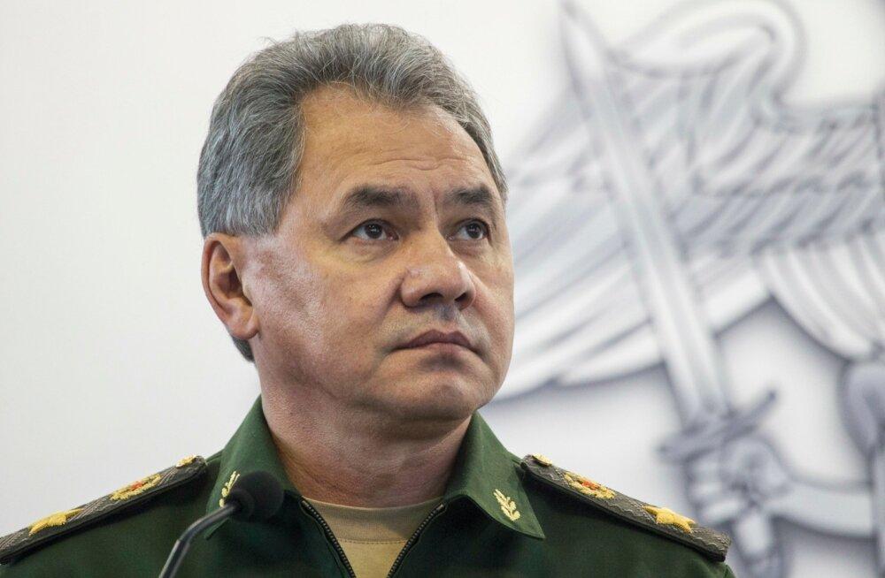 Uuring: Vene kaitseminister Šoigu kinkis Donbassis haavata saanud Vene sõdurile käekella