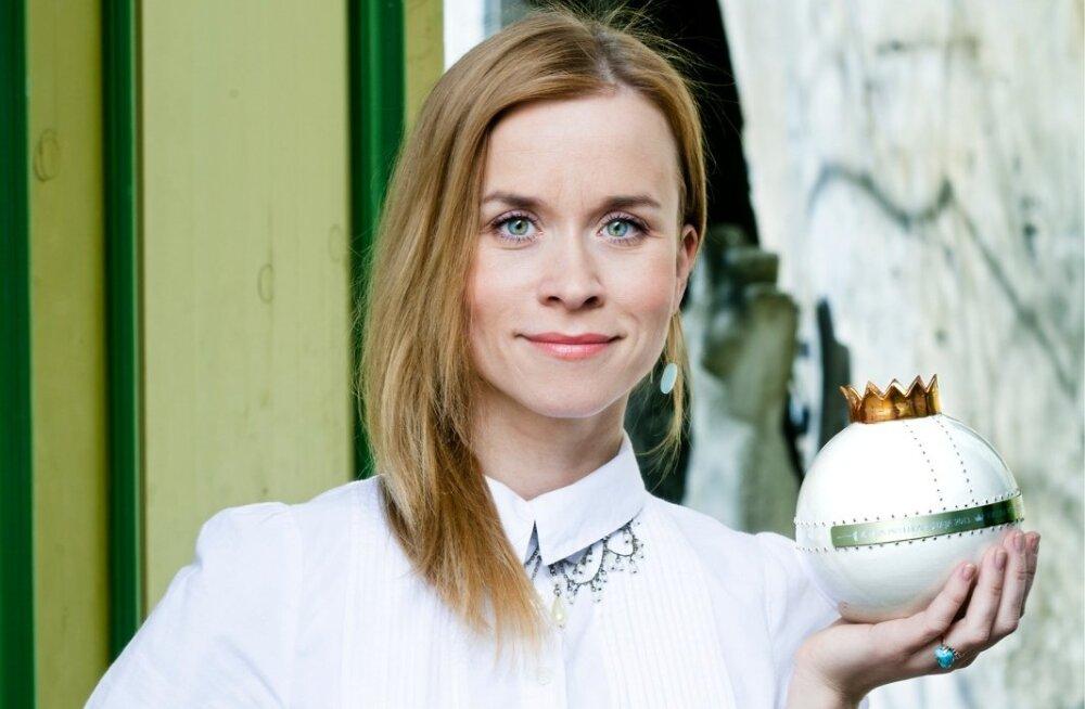 EVELIN VÕIGEMAST, Kroonika esimene kangelane – aasta meelelahutaja 2013.