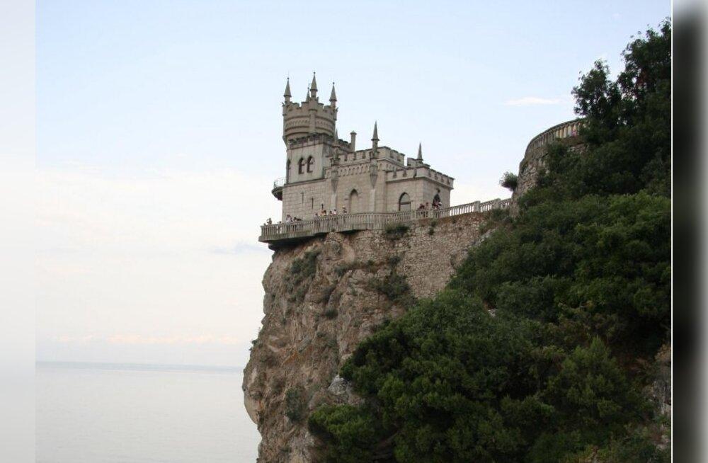 Krimmi üks sümboleid Pääsupesa. Ehitatud Reini äärse lossi eeskuj
