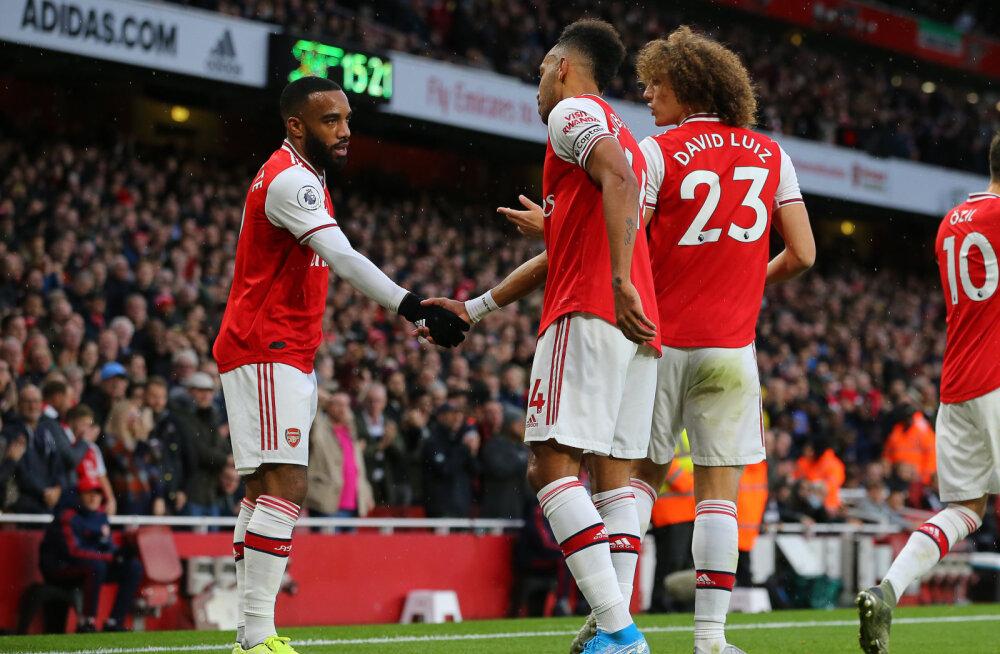 """Eriolukorra reeglitele vilistavad Arsenali """"covidioodid"""" said klubilt peapesu"""