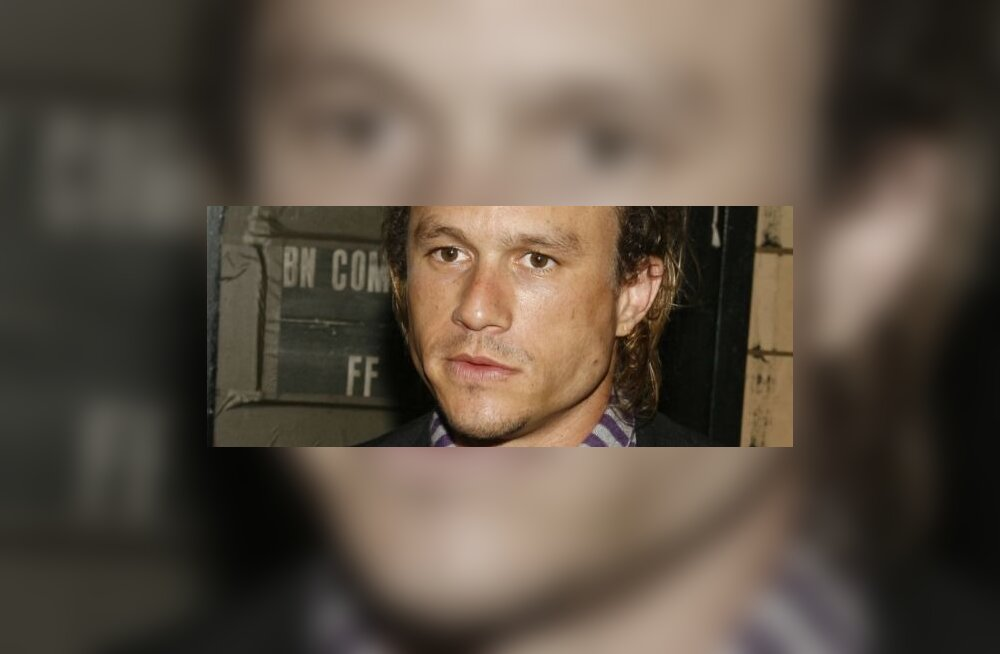 Heath Ledger (R)