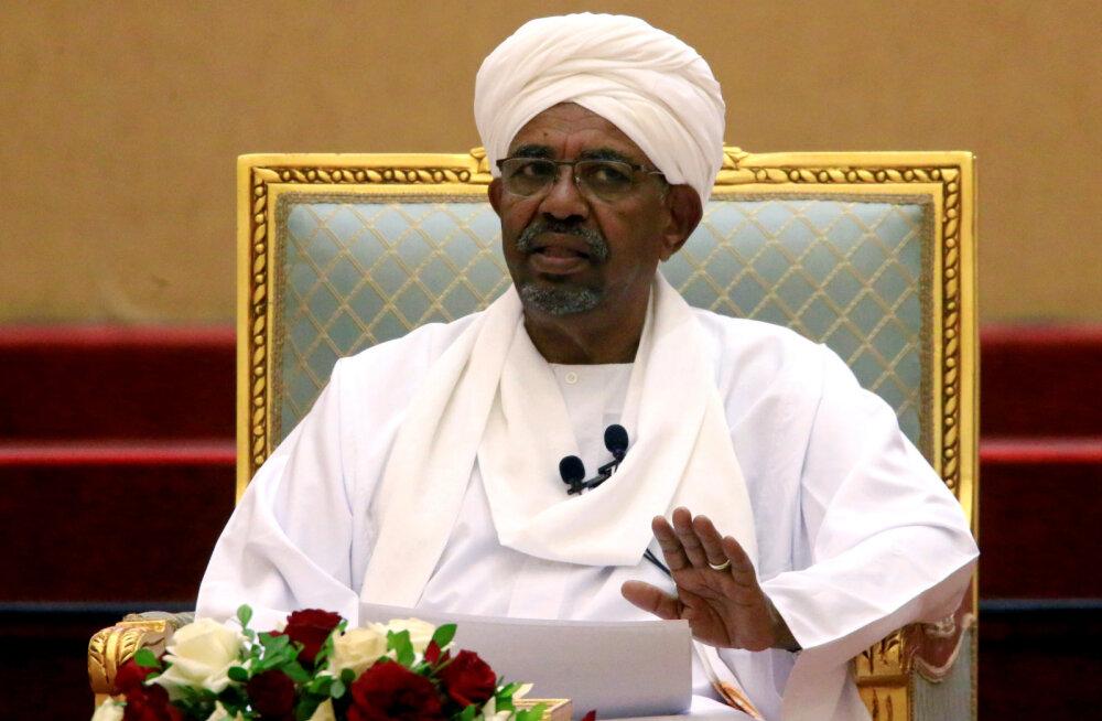 Sudaani kukutatud president Omar al-Bashir viidi üle vanglasse