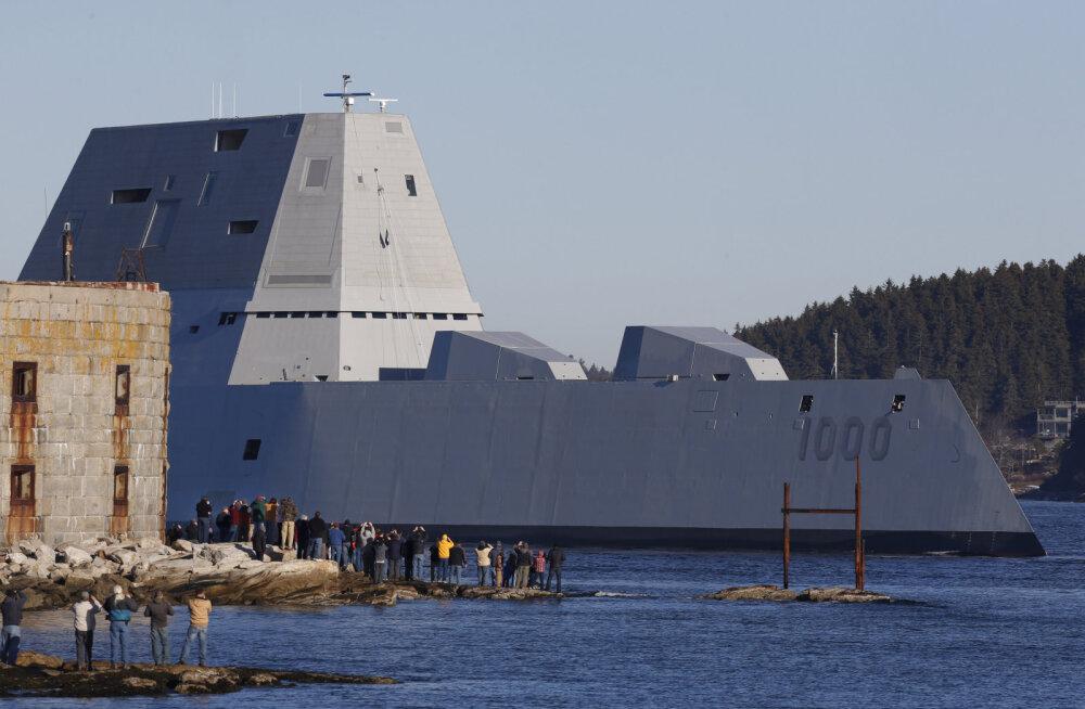 GRAAFIK: USA laevastiku kõige ulmelisem ja raskemini tabatav sõjalaev USS Zumwalt