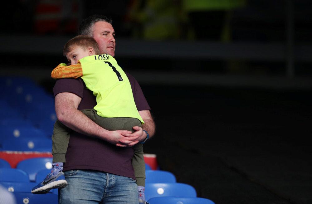 Esiliigasse langev Huddersfield kordas Premier League'i antirekordit