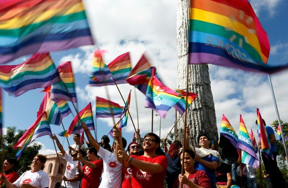 Uuring: homoseksuaalset kogemust omavate ameeriklaste osakaal on 25 aastaga kahekordistunud