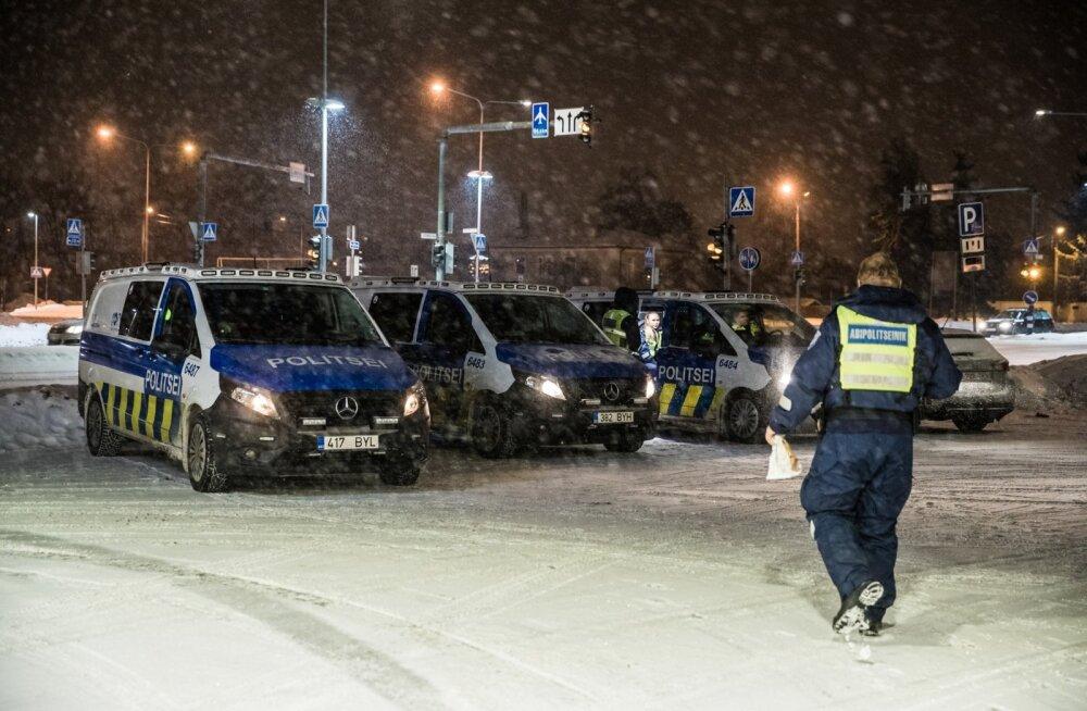 Öö politseinikuna