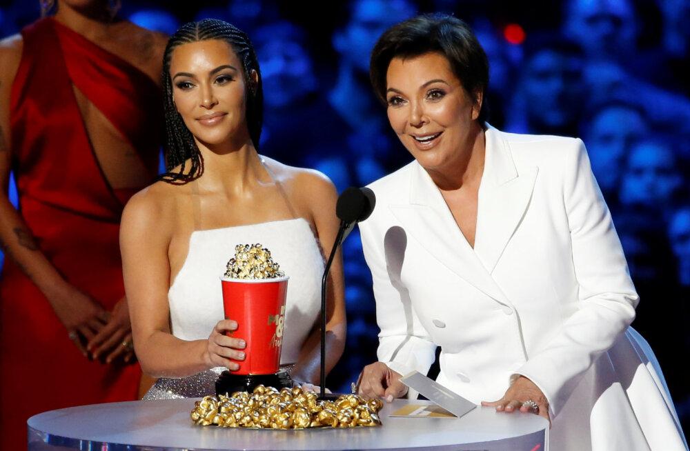Draama Kardashianide hoovis: Kim Kardashiani ema Kris Jenner viidi peale tütre turvameeskonna rünnakut haiglasse