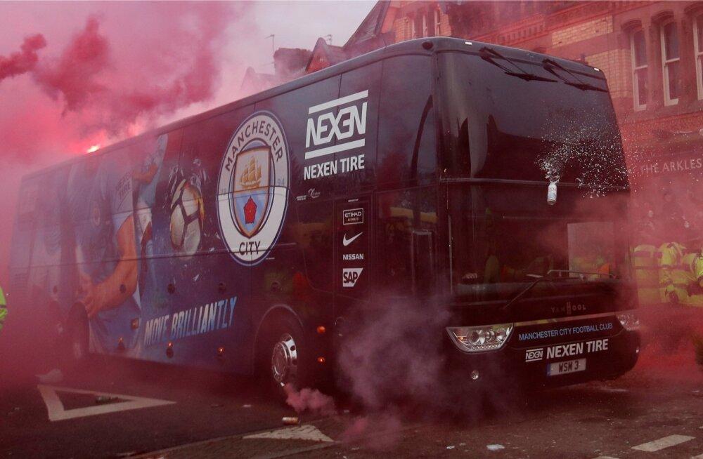Rünnaku alla sattunud Manchester City buss.