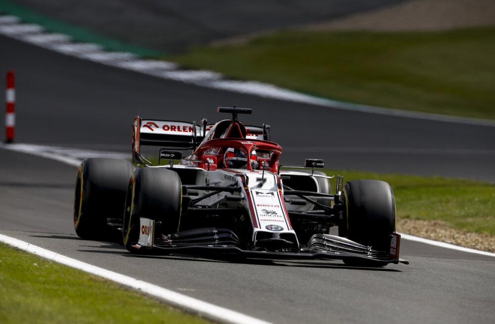 VIDEO | Viimaseks jäänud Räikkönen sõimas raadio teel inseneri: nüüd on juba f****** hilja!