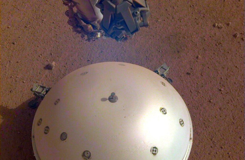 NASA InSight maanduri seismomeeter kinnitas: Marss värisebki!