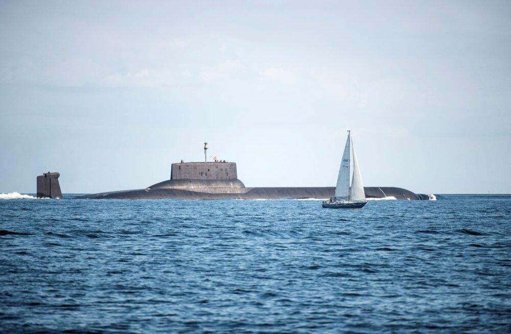 Российские военные корабли через эстонскую погранохрану попросили финский траулер изменить курс