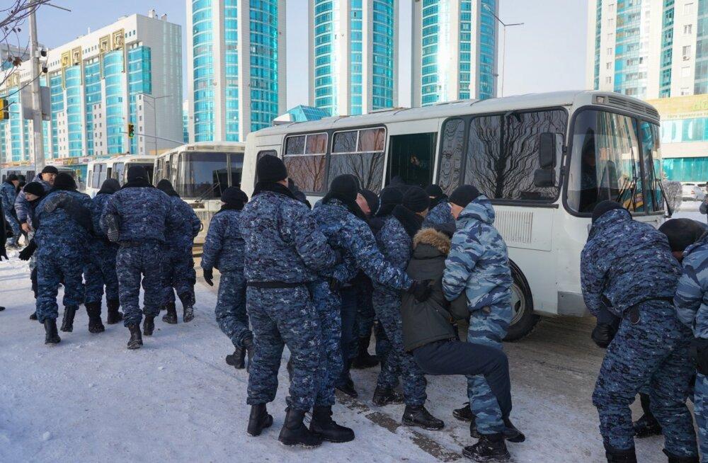 Kasahstanis paisus rahvuskonflikt veristeks kokkupõrgeteks: surma sai kaheksa ja viga veel hulk inimesi