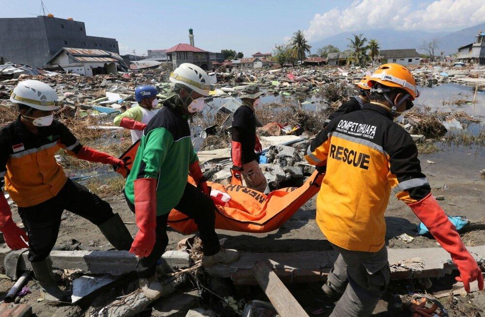 Indoneesia maavärina ja tsunami ohvrite arv kasvas üle 1400