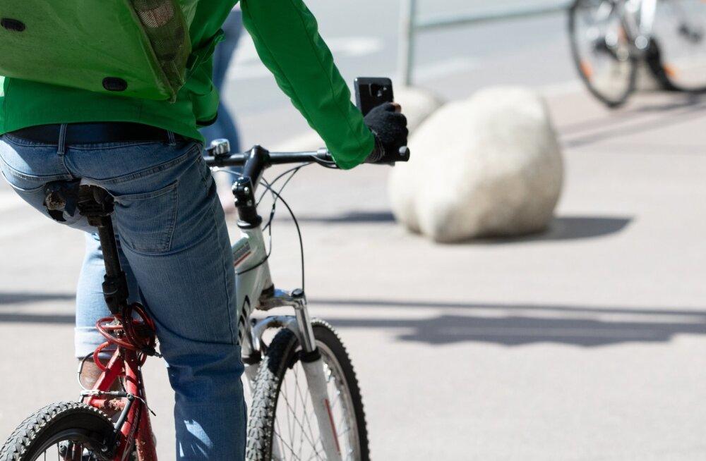 Jalgratta kullerid telefonis