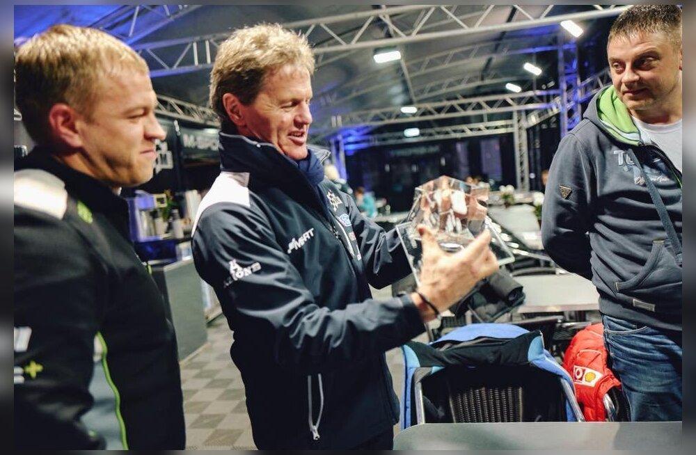 FOTOD | M-Spordi boss Malcolm Wilson sai Eesti rallisõpradelt liigutava kingituse