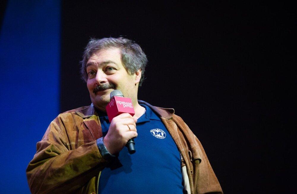Писатель Дмитрий Быков пришел в сознание