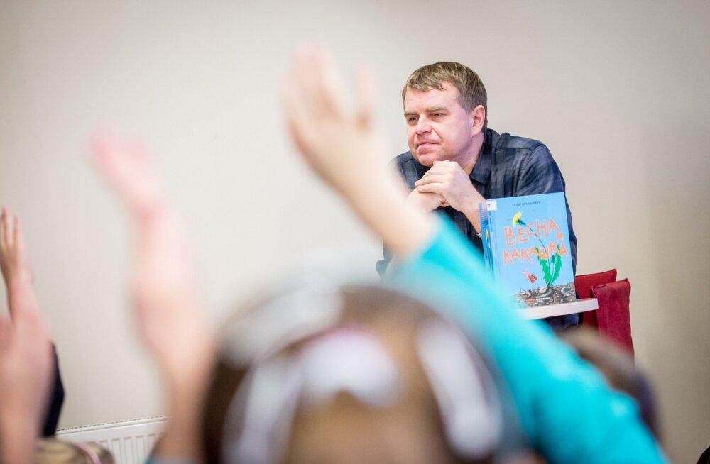 Andrus Kivirähk kohtub mudilastega Kännukuke raamatukogus