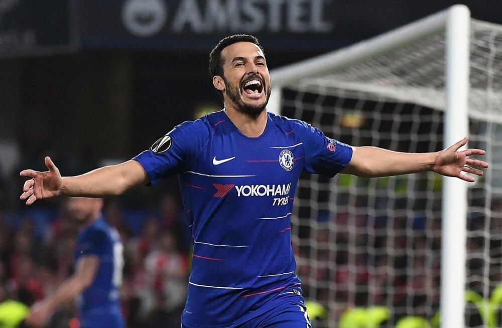 Pedro väravat tähistamas.