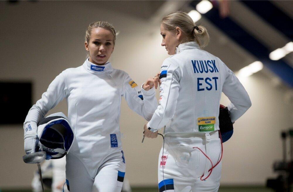 Kristina Kuusk (paremal) tõmbas naiskonna hoo käima, Erika Kirpu ja teised tulid kaasa.