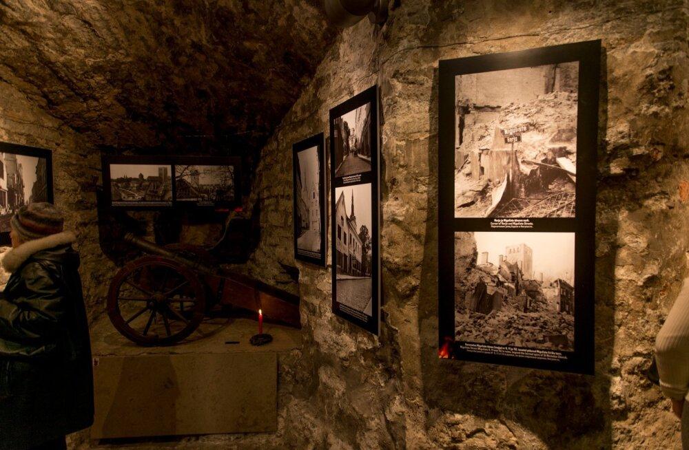 Märtsipommitamise 70. aastapäev fotonäitus Tallinna Linnamuuseumis