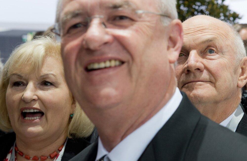 Ferdinand Piëch (paremal), tema naine Ursula ning Volkswageni juhatuse esimees Martin Winterkorn.