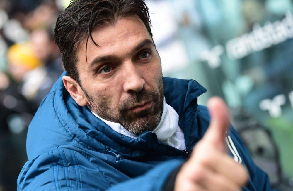 Gianluigi Buffon andis lootust, et mees võib ka tuleval hooajal mängimist jätkata