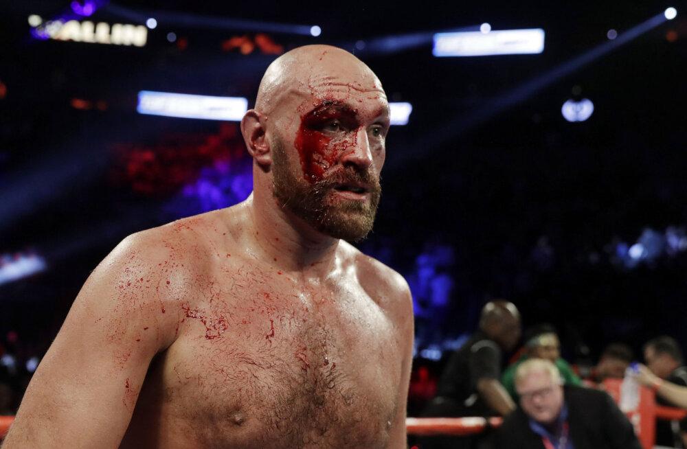 Tyson Fury pidas rootslasega vägeva lahingu ja jäi võitmatuks
