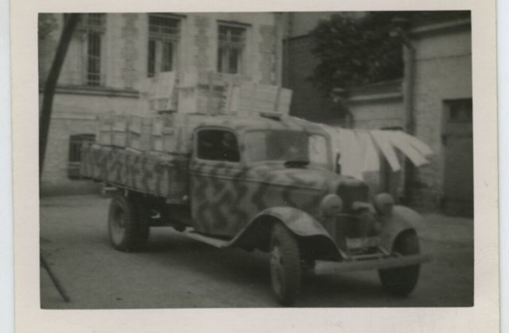 Tule ajalukku! | Pikanäpumehed võtsid Narvas autod sihikule