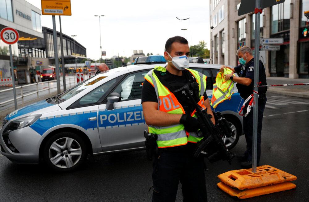 ФОТО | В Берлине машина с эстонским номером въехала в толпу людей, серьезно пострадали семеро