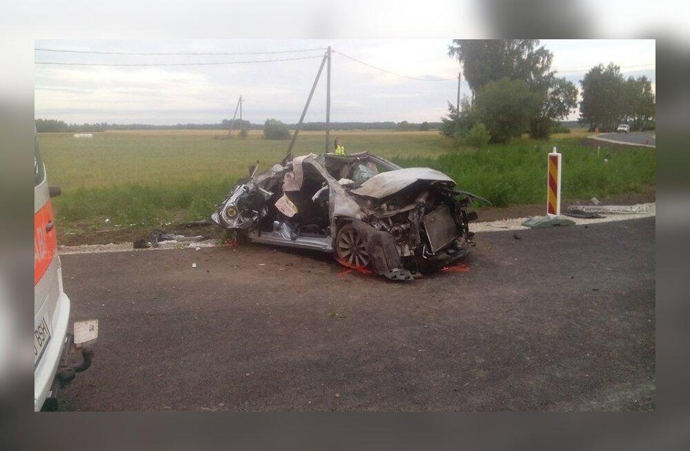 Вчера близ Синди автомобиль съехал с дороги: находившаяся за рулем женщина умерла в больнице