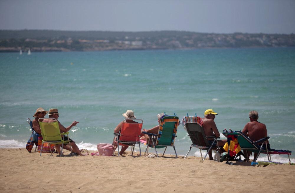 """Первые туристы в Испании: отдыхающих ждет """"экстремальная гостиничная гигиена"""""""