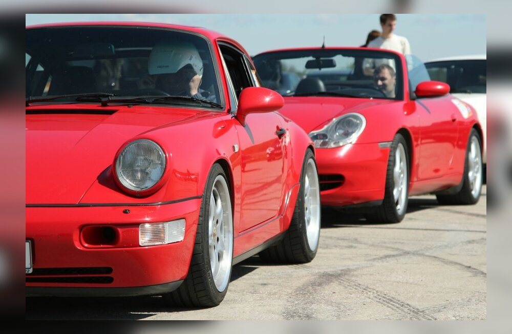 Porsche 911 looja suri päeval, mil auto kuulutati maailma aasta sportautoks