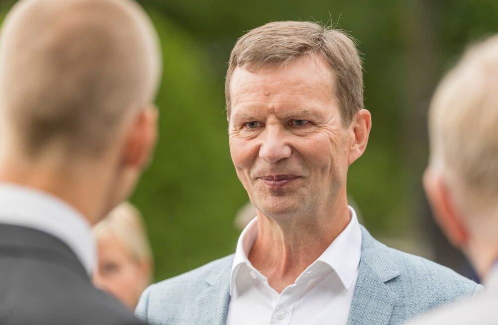 Kadrioru lossi roosiaias Eesti Vabariigi iseseisvuse taastamise aastapäeva pidulik vastuvõtt