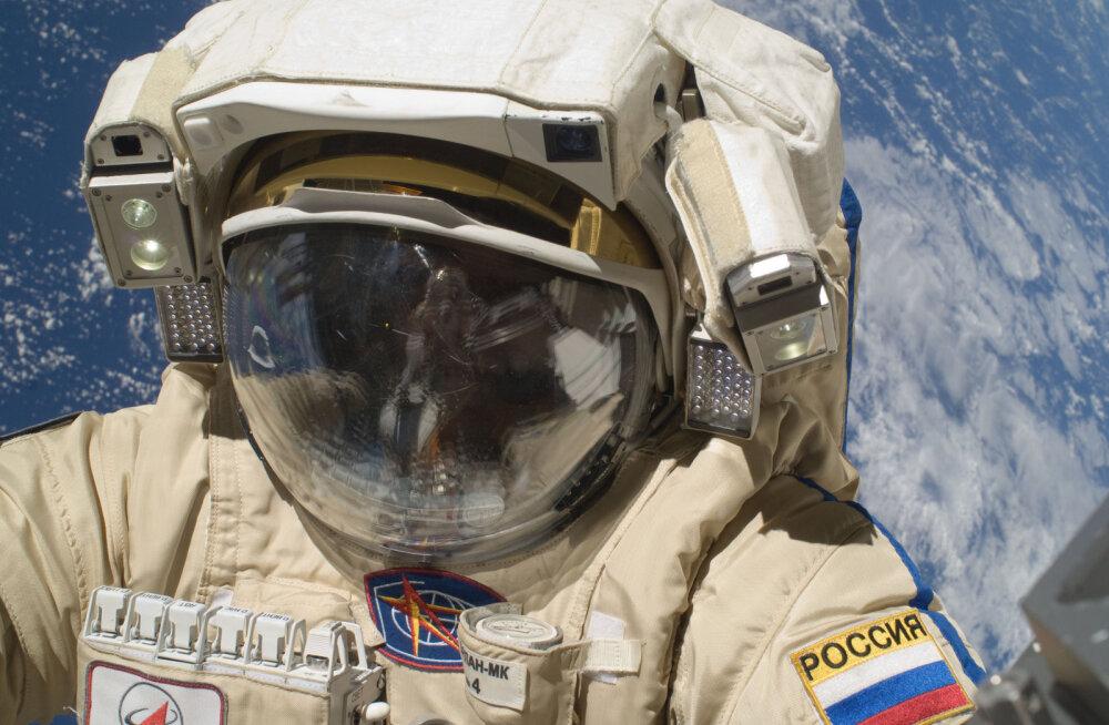 Napikas: USA astronaudi värske raamat sisaldab senirääkimata lugu sellest, kuidas üks meeskonnaliige avakosmoses peaaegu hukkus