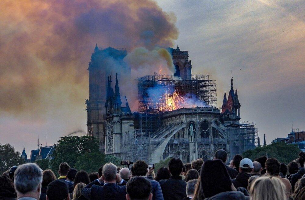 Üksikud prantsuse miljardärid panustavad Jumalaema kiriku taastamisse sadu miljoneid eurosid