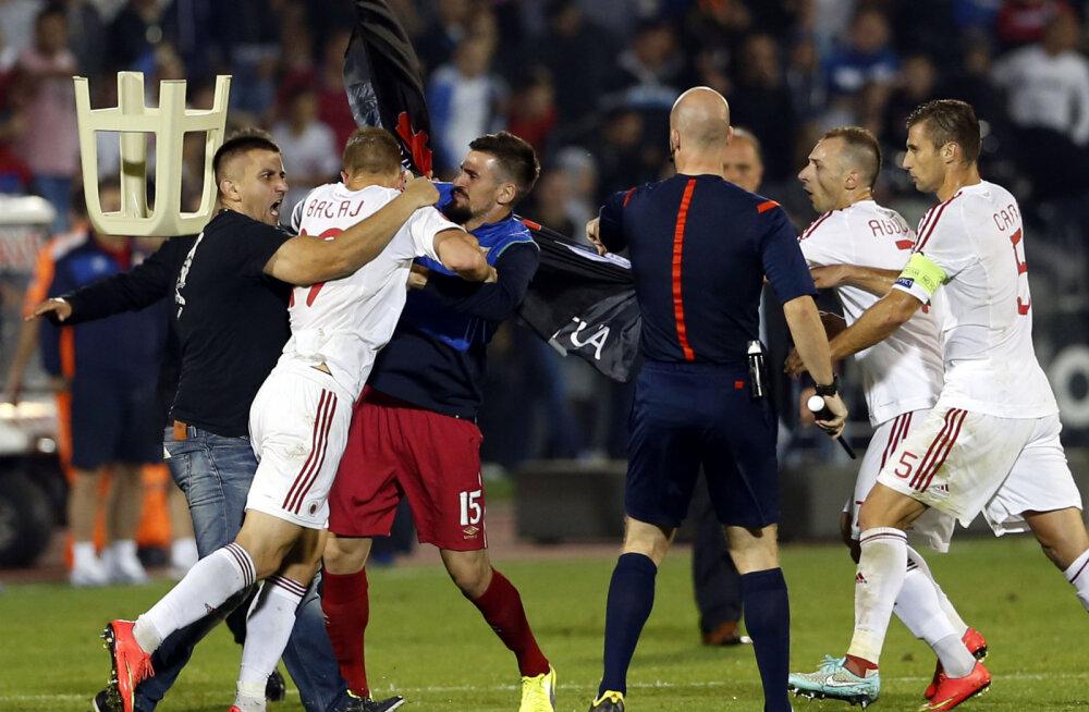 32 päeva jalgpalli EM-ini: Albaania koondis ei kodustanud mängijaid, vaid treeneri