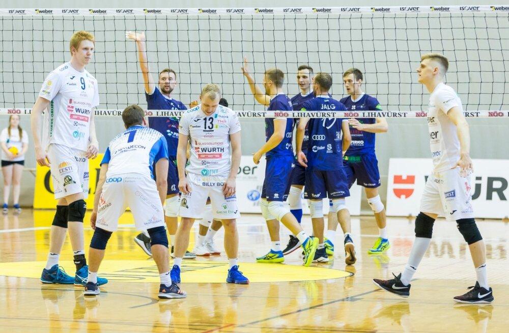 Saaremaa (sinistes) on esimesest kaotusest toibunud ja nüüd on Tartu Bigbank täbaras seisus.