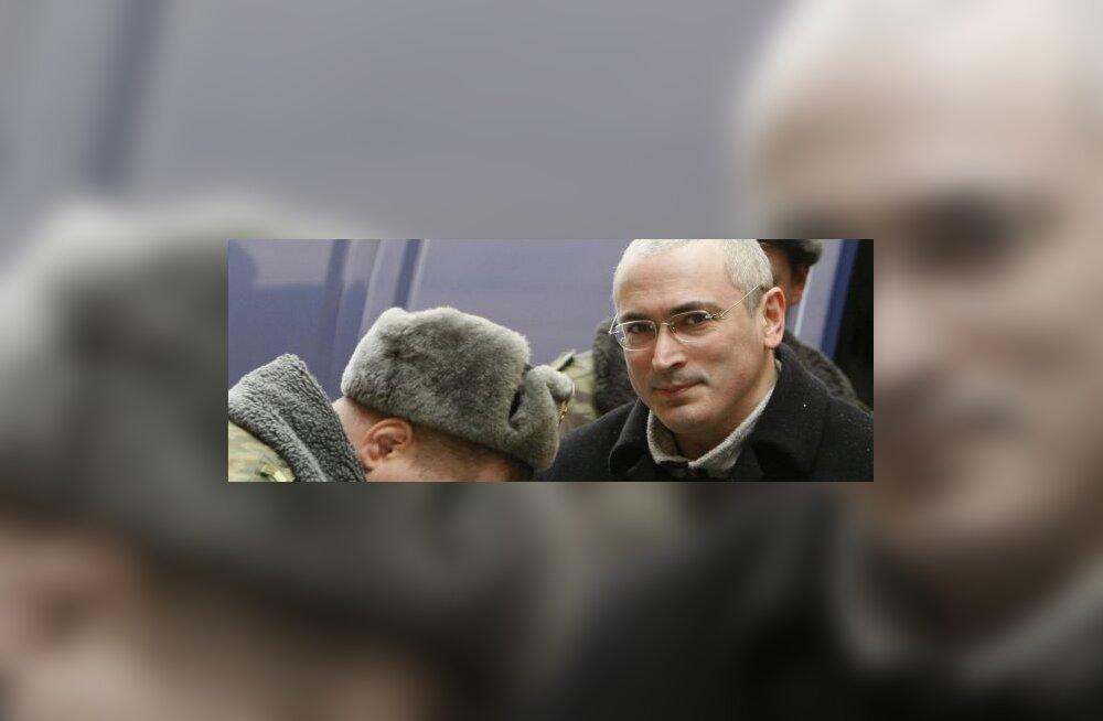 Hodorkovski süüdistab oma prokuröre riisumises