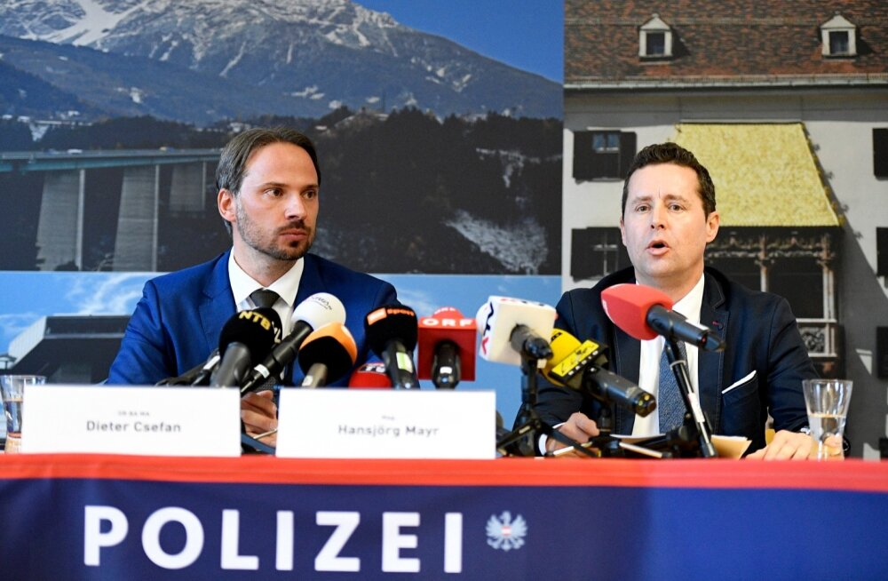Dieter Csefan Austria föderaalpolitseist ja Hansjoerg Mayr Innsbrucki prokuratuurist tänasel pressikonverentsil.