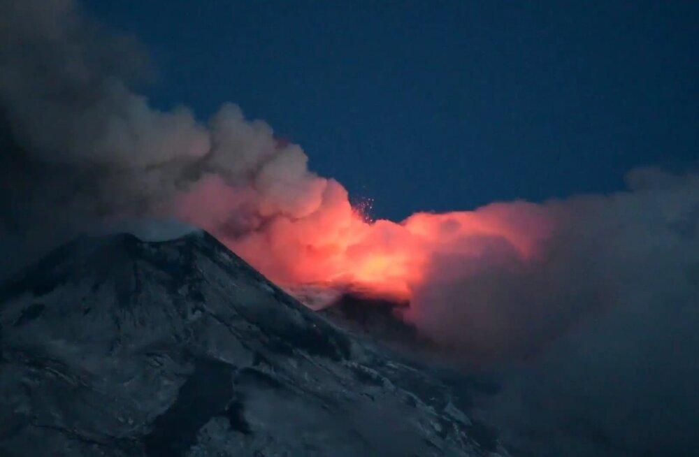 VIDEO: Etna vulkaan Sitsiilias muutus jälle aktiivseks