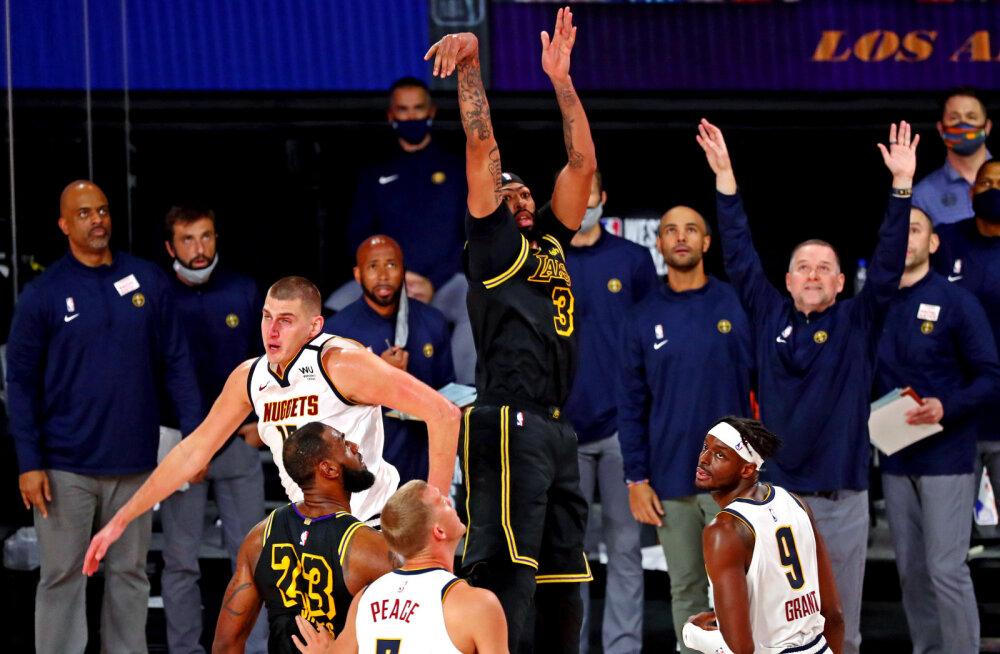 VIDEO   Davis tabas konverentsi finaali teises mängus lõpusekundi kolmese ja pühendas selle Kobele