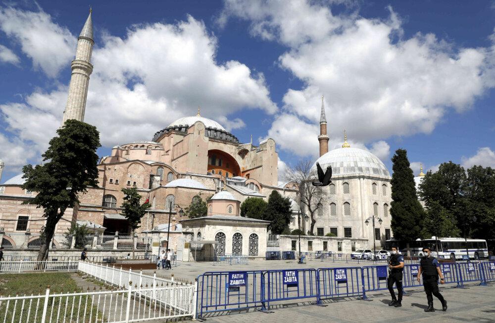 Türgi kohus andis valitsusele loa muuta Istanbuli ikooniline Hagia Sophia tagasi mošeeks