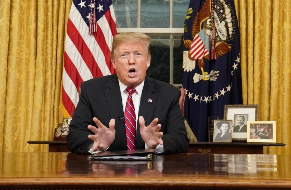 Trump rääkis oma sisserändealases telepöördumises kasvavast kriisist piiril, aga eriolukorda välja ei kuulutanud