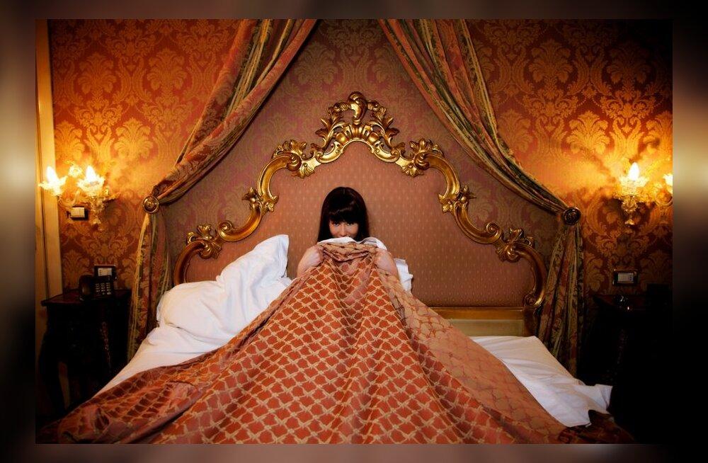Ära põe! Ka teistel juhtub voodis neid piinlikke apsakaid!
